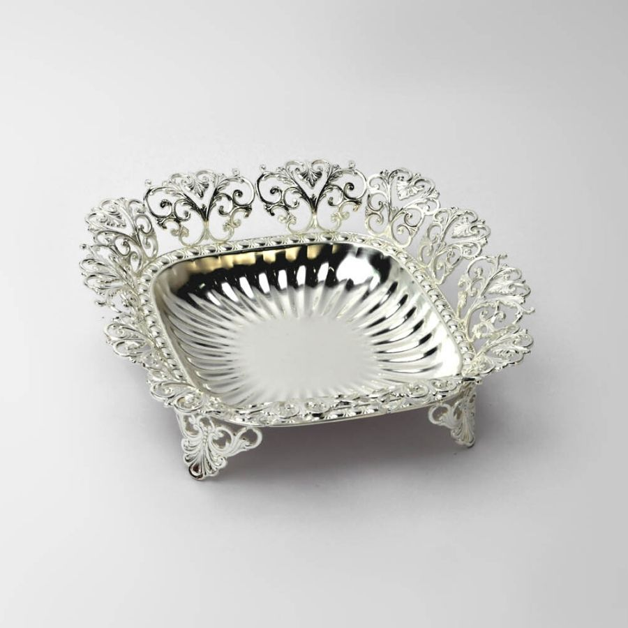 motif design silver rectangle bowl